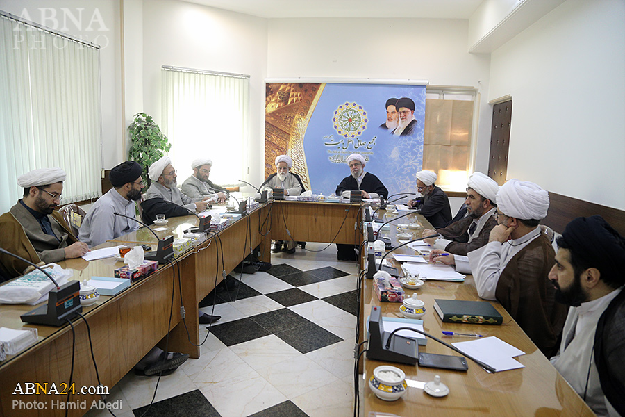 Photos: Session of academic committee of International Conference on Hazrat Abu Talib (AS) held in Qom