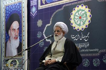 احمدیتبار: مبنای حرکت امام، قیام برای خدا بود/ رهبر انقلاب تمام ویژگیهای رهبری الهی را دارد